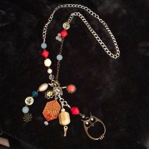 Plunder adjustable necklace.